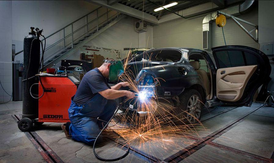оборудование для ремонта машин в гараже